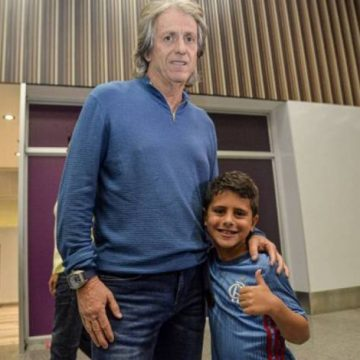 Jorge Jesus desembarca no Rio e fala sobre Gabigol no Flamengo: 'Confiança muito grande nele'