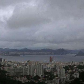 Especialista garante que ciclone subtropical já se afasta do Rio