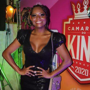 Adriana Bombom é a musa do Camarote King 2020