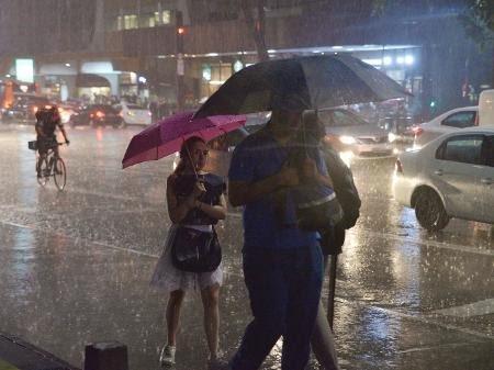 Temporal atinge Região Serrana no Rio; Petrópolis registra deslizamentos