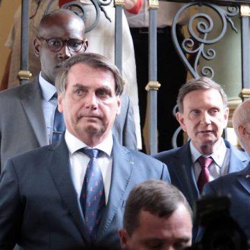 Bolsonaro se encontra com Crivella no Palácio da Cidade, no Rio