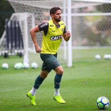 Botafogo ainda sonha com Gabriel, mas zagueiro volta ao Atlético-MG nesta quarta