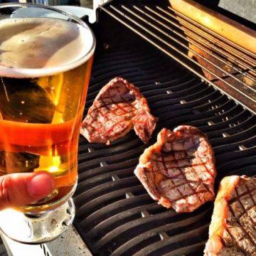 Carne cara, cerveja mais barata: Skol faz promoção para garantir churrasco
