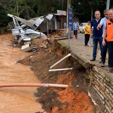 Comércio presta ajuda às vítimas das enchentes no Sudeste