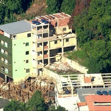 Construções irregulares avançam próximo à área onde prédios desabaram na Muzema