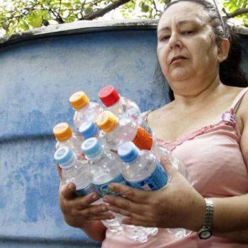 Consumidores da Cedae se preparam para os prejuízos com a água
