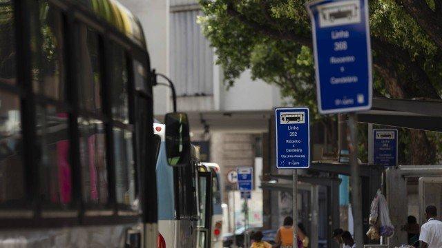 Empresa de ônibus é condenada por descontar de motoristas despesas com roubos e desgaste de peças