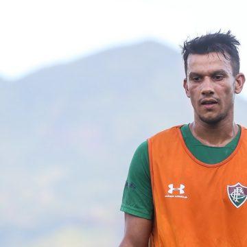 Entenda por que Henrique ainda não foi anunciado oficialmente pelo Fluminense