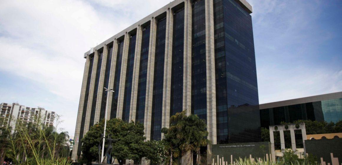 Funcionários das OSs ainda não têm data para receber pagamento, diz Prefeitura do Rio