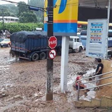 Chuva devasta cidades no Sul do ES e deixa mortos e desaparecidos