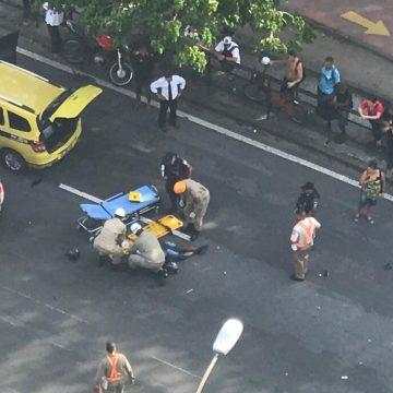 Motociclista morre em acidente com táxi próximo ao shopping Rio Sul, em Botafogo