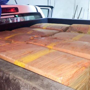 Polícia apreende 200 kg de maconha dentro de fundo falso de cama box em Seropédica, no RJ