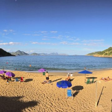 Praias da Zona Sul estão impróprias para banho, aponta Inea