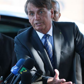 """""""Pronunciamento infeliz"""", diz Bolsonaro sobre discurso de ex-secretário da Cultura"""