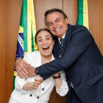 Regina Duarte anuncia que aceitou convite de Bolsonaro para assumir Secretaria de Cultura