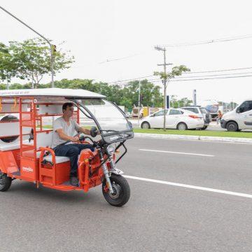 Uber lança serviço de 'tuk-tuk' no Brasil