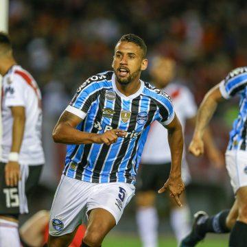 Volante Michel entra no radar do Vasco, que faz contato com o Grêmio