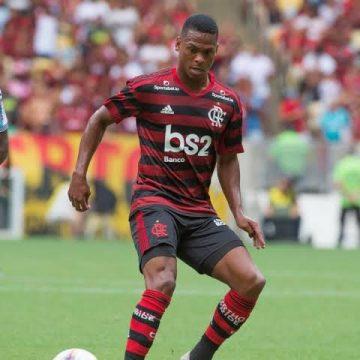 Lucas Silva garante vitória do Flamengo sobre o Vasco no 'clássico sub-20'