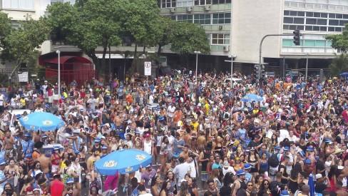 Carnaval em palco do réveillon de Copacabana terá Favorita e eleição do Rei Momo