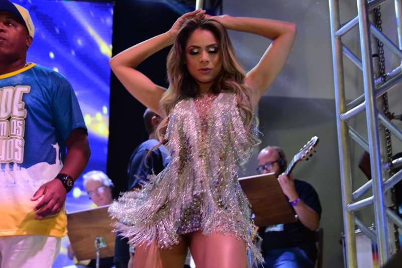 Lexa vibra com chegada ao Especial como rainha de bateria da Unidos da Tijuca