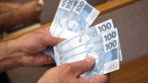Governo do estado vai regulamentar pagamento do 13º no mês do aniversário