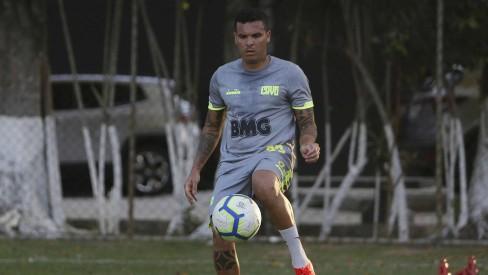 Breno e Ramon serão reavaliados antes de pré-temporada no Vasco; Talles está pronto