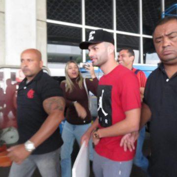 """Thiago Maia chega ao Rio de Janeiro para fechar com o Flamengo: """"Sonho do meu pai"""""""
