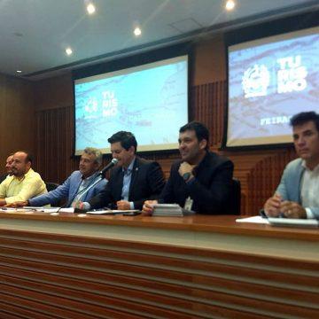 Prefeito e vereador de Mangaratiba participam de evento relacionado ao turismo na região