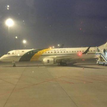 Coronavírus: Aviões que resgatarão brasileiros já estão na China e voltam na tarde desta sexta