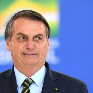 """Bolsonaro defende Guedes e diz que ele fica no governo """"até o último dia"""""""
