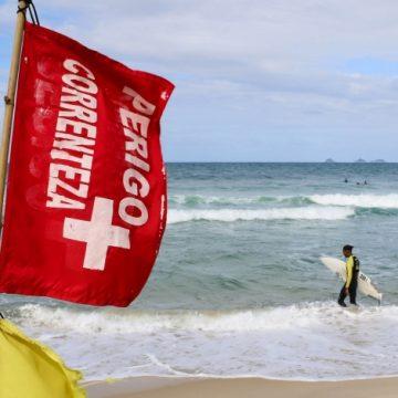 Jovem desaparece no mar da Praia de Ipanema