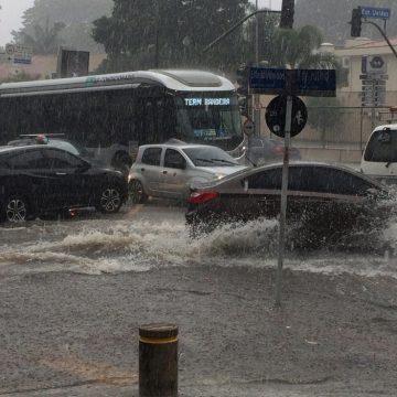 Chuvas em São Paulo deixaram cidade com 17 pontos de alagamento