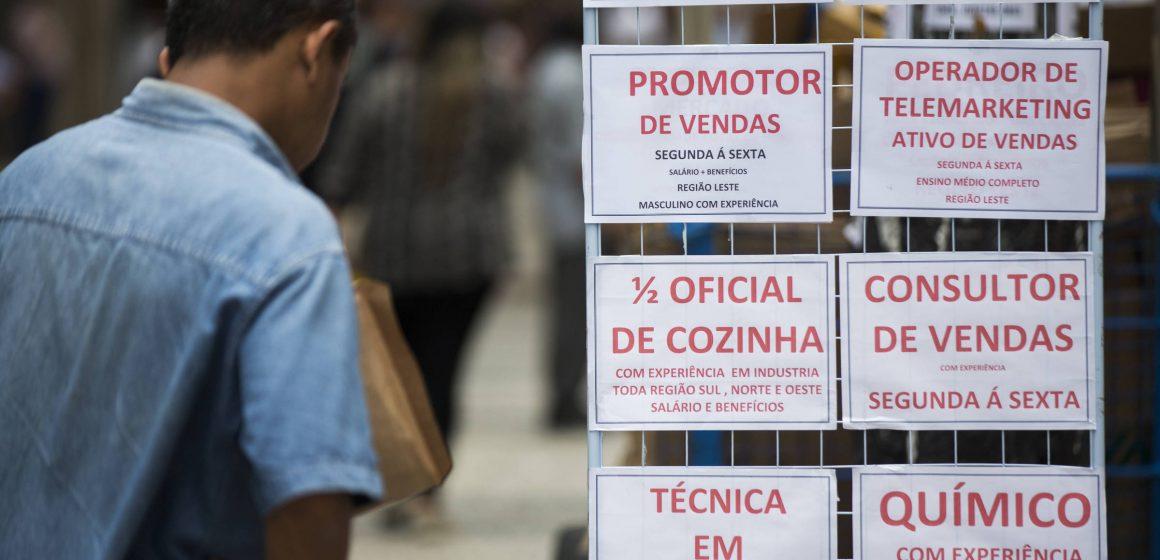 2,9 milhões de desempregados procuram trabalho há pelo menos 2 anos