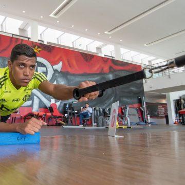 Com amidalite, Pedro Rocha está fora do jogo do Flamengo contra o Resende