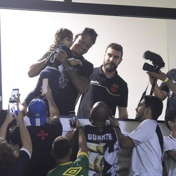 Fredy Guarín passa por exames no CT; Fellipe Bastos inicia treinos no Vasco