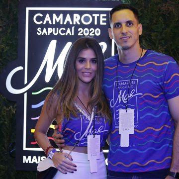 Estreia na Sapucaí! Goleiro do Botafogo, Gatito Fernández curte camarote com namorada: 'Indo com calma'