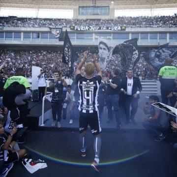 Com Honda e na expectativa por Yaya, Botafogo ultrapassa 30 mil sócios-torcedores