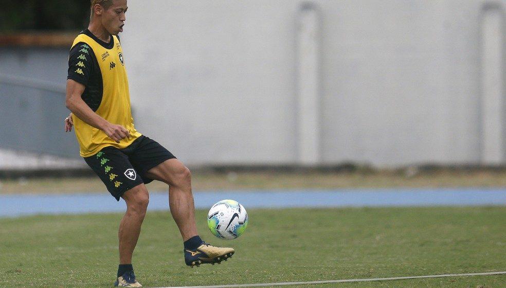 Honda tem até esta quarta para aparecer em sistema da Ferj e estrear domingo pelo Botafogo