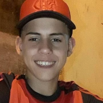 Polícia conclui que adolescente foi morto por engano em ataque a barbearia; PMs são investigados