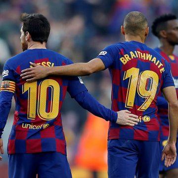 """Após estrear pelo Barcelona, Braithwaite diz: """"Não vou lavar a camisa depois do abraço do Messi"""""""
