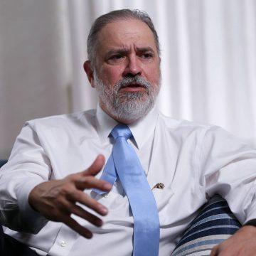 Aras se reúne com Fachin para tentar revogar delação do ex-governador Sérgio Cabral