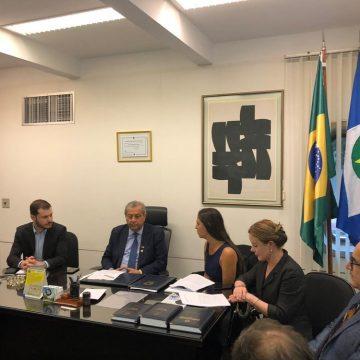 PT, PSOL e Rede pedem cassação do mandato de Flávio Bolsonaro por quebra de decoro