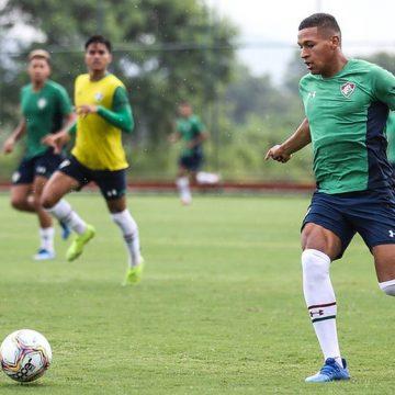 Pacheco começa a treinar no Fluminense, e Ganso é reintegrado após pré-temporada prolongada