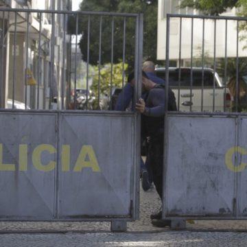 Polícia captura homem acusado de matar o tio com golpes de enxada