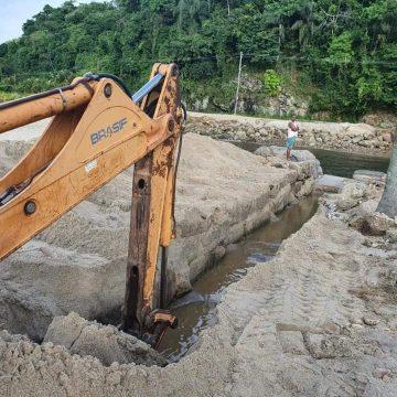 Reparos na orla da Praia do Saco, região costa verde