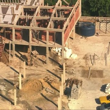 Prefeitura notifica responsáveis por condomínio ilegal na Ladeira dos Tabajaras, que será demolido