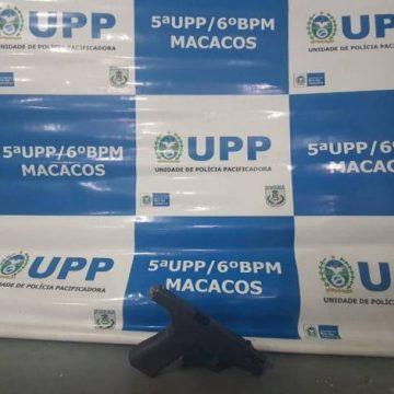 Suspeito é baleado em confronto com policiais no Morro do Macaco