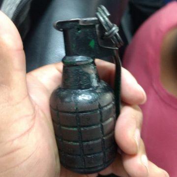 Suspeito de assalto a ônibus em Nova Iguaçu é preso com granada na mochila