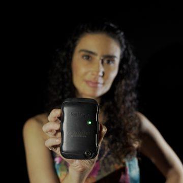 Vítimas de violência doméstica aprovam botão do pânico: 'Me sinto protegida', diz atriz agredida
