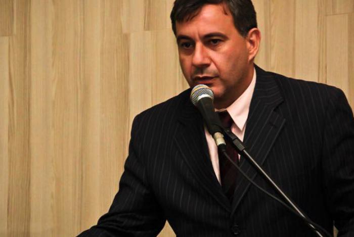Vereador Neném é detido em Guaxindiba ao disparar arma de fogo